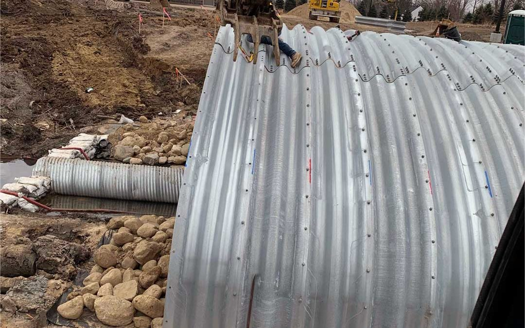 large-excavating-water-pipeline-project-monroe-mi